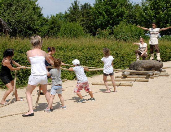 Préhisto Site du Cairn - Saint-Hilaire-la-Forêt animation menhir enfants