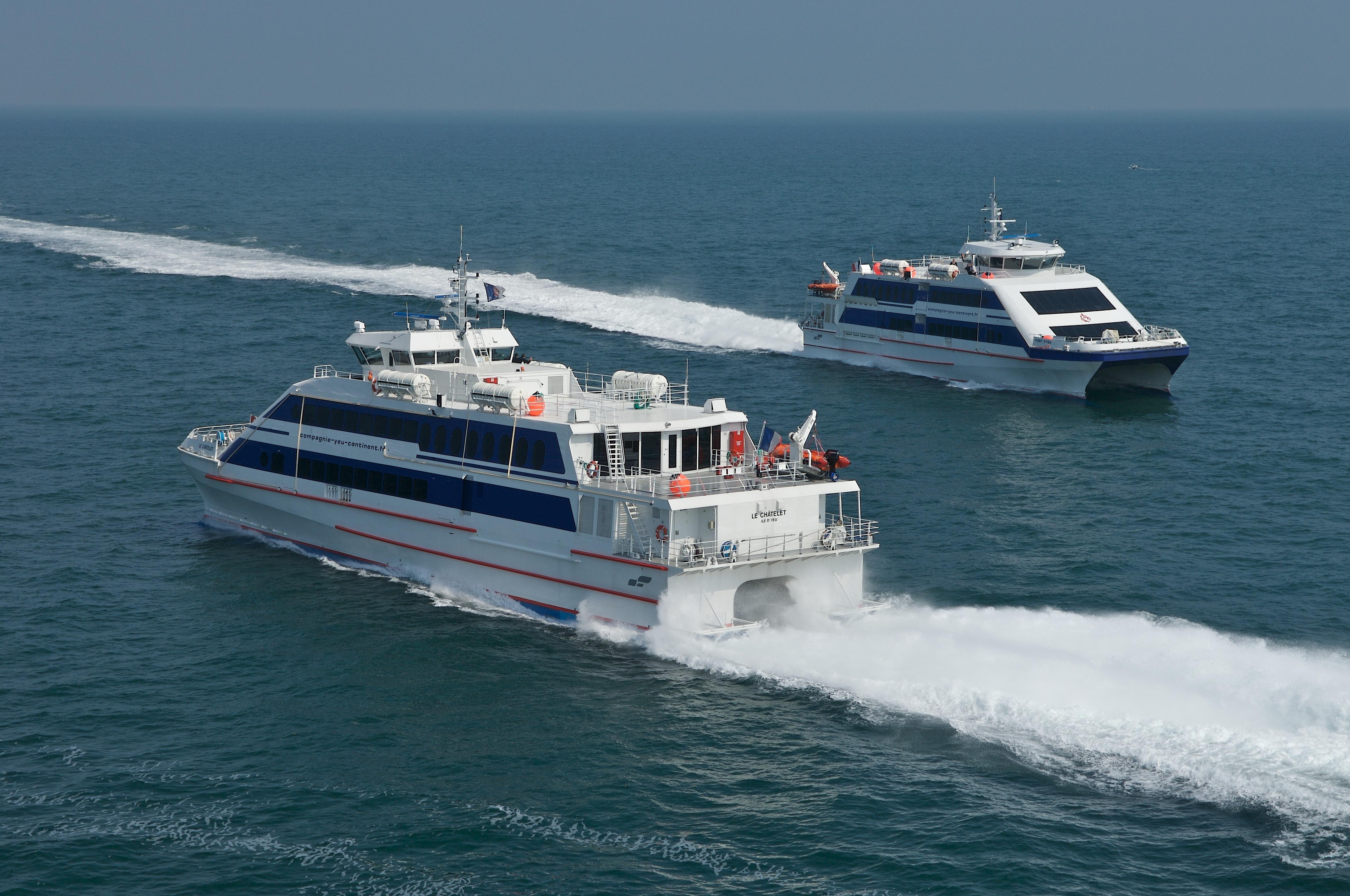 """Navires """"Le Chatelet"""" et le """"Pont d'Yeu"""" de la Cie Yeu Continent à L'Ile d'Yeu - Crédit Photo : ©Yeu Continent"""