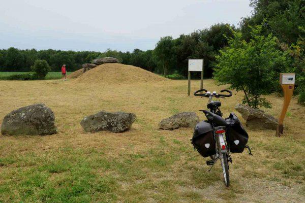 St-Hilaire_dolmen-sulette