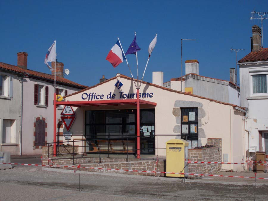 office-tourisme-avrille-destination-vendee-grand-littoral-extérieur