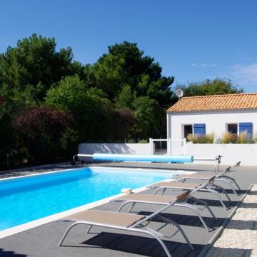 location-vacances-talmont-st-hilaire-villas-guittiere-piscine