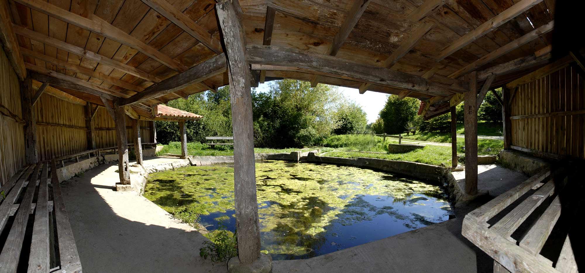 Lavoir de la courolle à Saint-Hilaire-la-Foret - crédit : Thomas Delonde