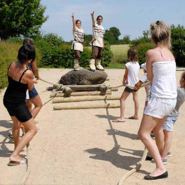 Saint-Hilaire-la-Foret, le Cairn jeu en famille