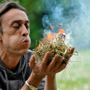 Saint-Hilaire-la-Foret, le Cairn, apprendre à faire du feu