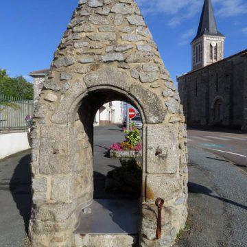 Le vieux puits à Avrillé