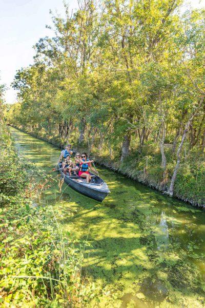 Balade en barque à la Maison du Marais à Longeville-sur-Mer