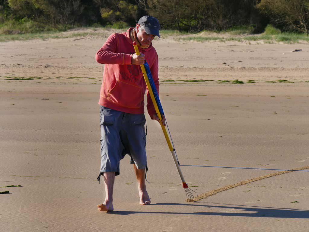 Michel Jobard : beach art, création de mandala