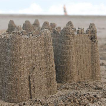 Château de sable plage vacances