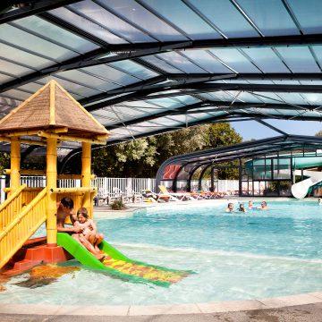 Camping Longeville-sur-Mer Le Petit Rocher piscine couverte