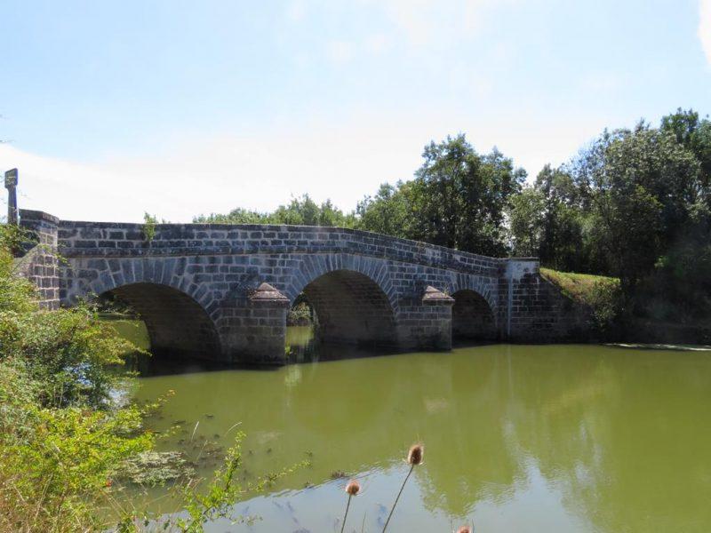 Pont Port La Claye à Curzon